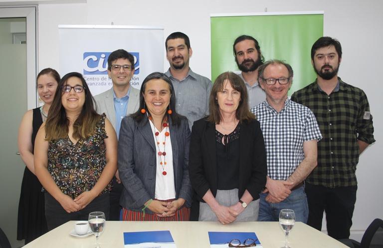 Fundación Súmate firma convenio con Centro de Investigación Avanzada de Universidad de Chile